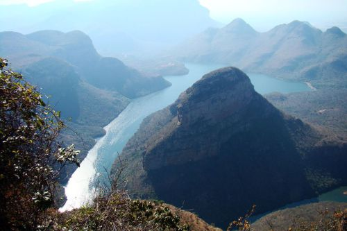 1280px-Blyde_River_Canyon,_South_Africa_1